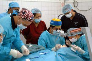 surgery-590536_1920